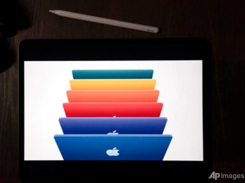 Commentary: Gulf between Apple patrons and PC users just got wider