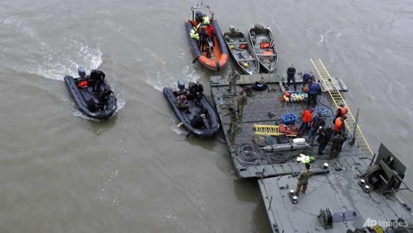 Hopes of finding missing South Koreans fade after Budapest boat tragedy