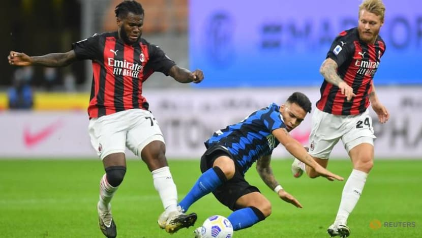 Ibrahimovic's quickfire double gives Milan 2-1 derby win