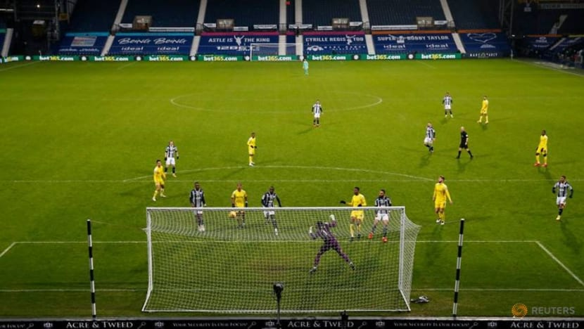 Late Cavaleiro header earns Fulham 2-2 draw at West Brom