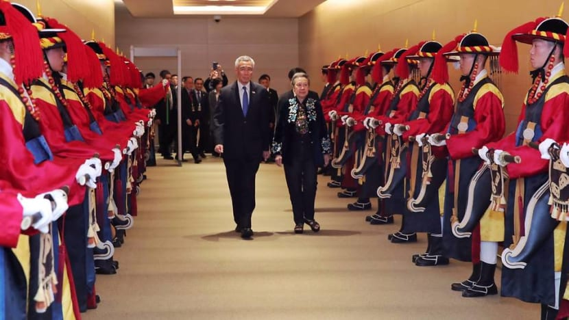 Prime Minister Lee Hsien Loong arrives in South Korea for bilateral visit, ASEAN-ROK Commemorative Summit