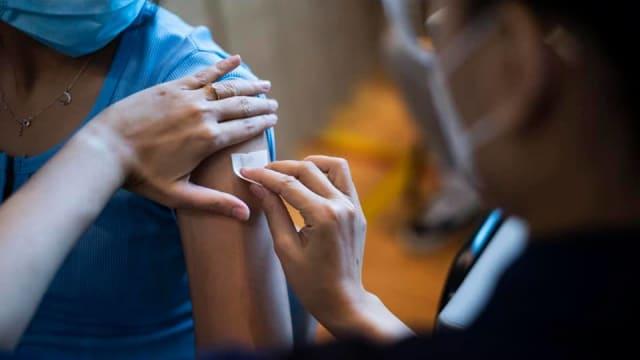 完成接种疫苗冠病患者若PCR呈阴 将能在第10天结束隔离