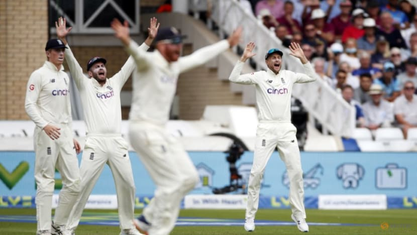 Cricket-India lose Rahul in victory pursuit after Root hundred