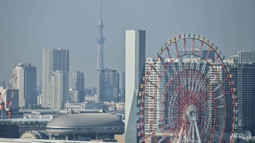 Japan eyes fresh stimulus package as new COVID-19 curbs weigh on growth