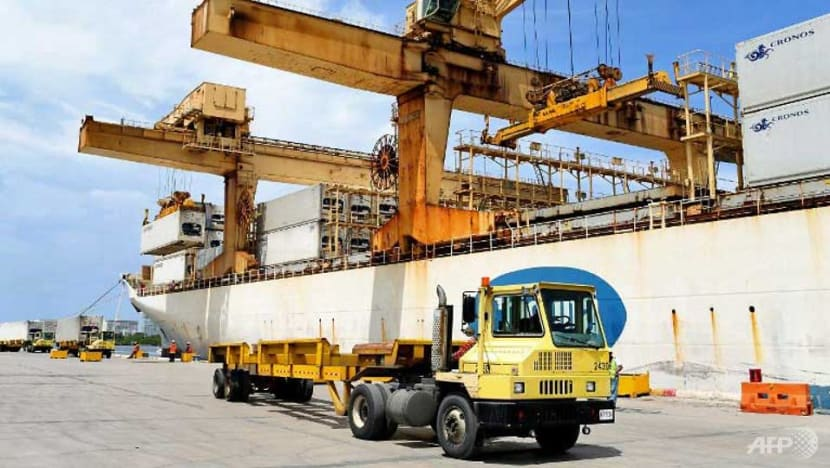 US trade deficit falls in September to US$52.5b