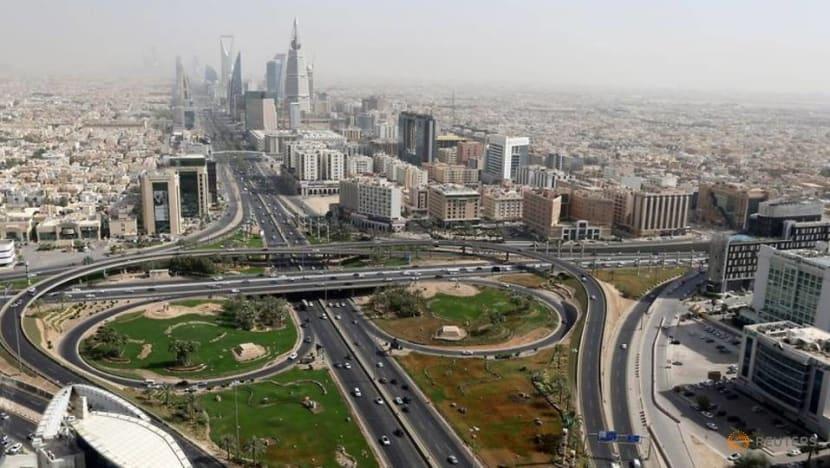 Saudi suspends flights from UAE, Vietnam and Ethiopia due to COVID-19 variant