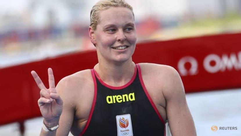 Olympics-Marathon Swimming-Ana Marcela Cunha of Brazil wins women's marathon swimming gold