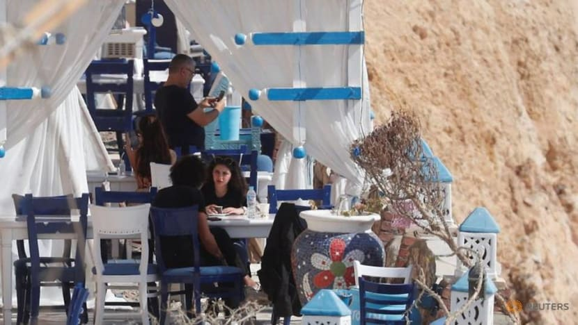 Egypt eases guest limits in hospitality sector as COVID-19 infections fall