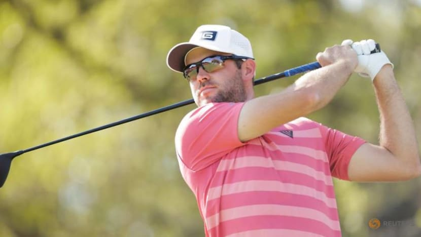 Golf: Defending champion Conners flies under radar at hotel check-in