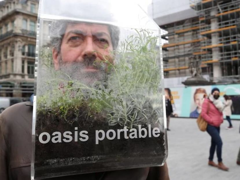 Belgian artist's 'portable oasis' creates COVID-free bubble for one