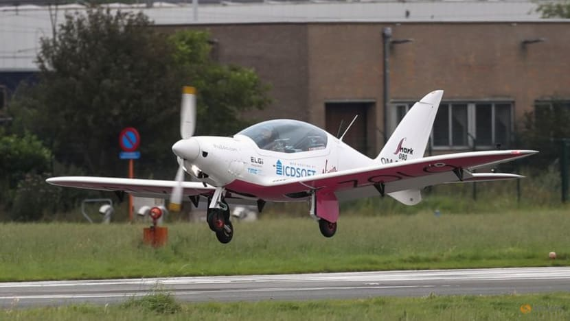 Teenager takes to the skies on round-the-world record bid