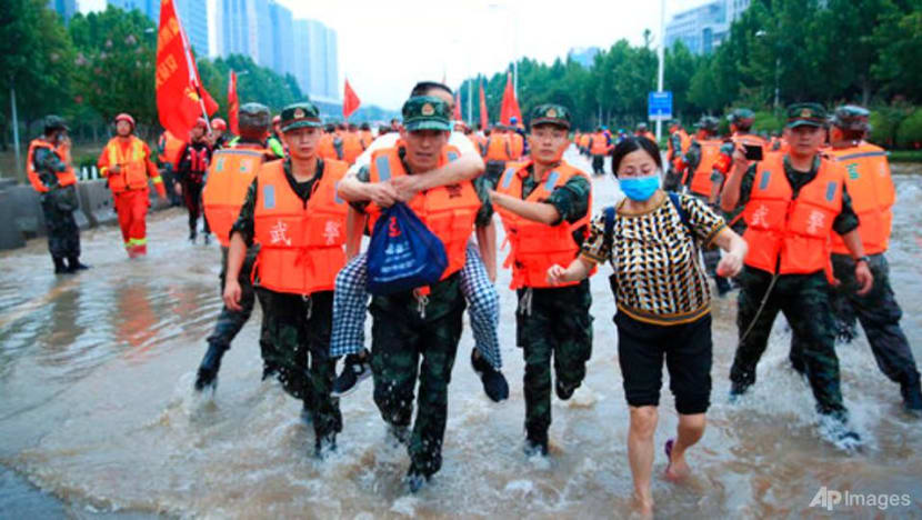 China's Zhengzhou begins clean-up after deadly storms