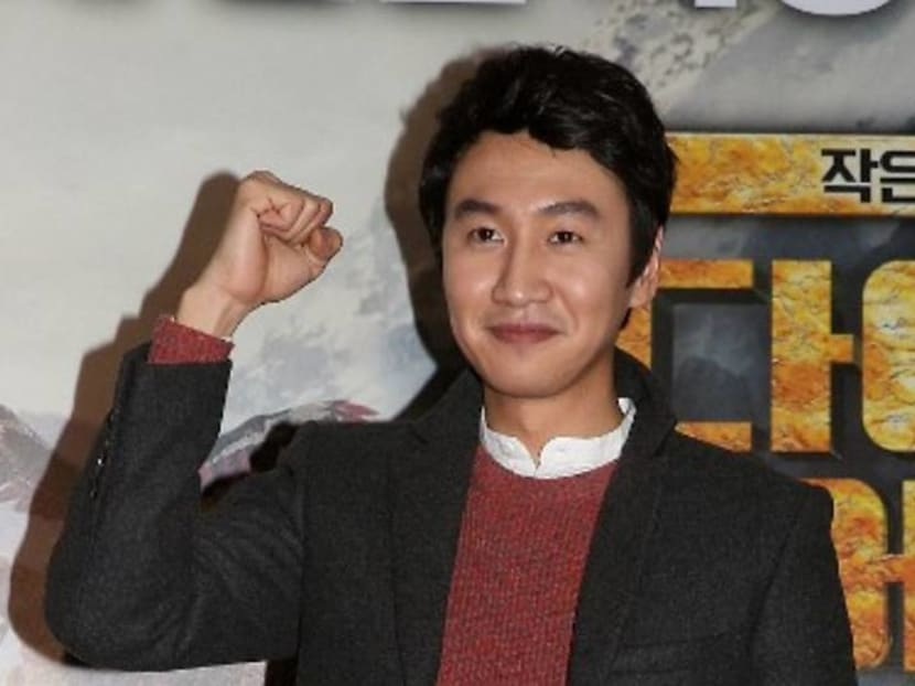 Lee Kwang-soo bids farewell to Running Man variety show in his final episode