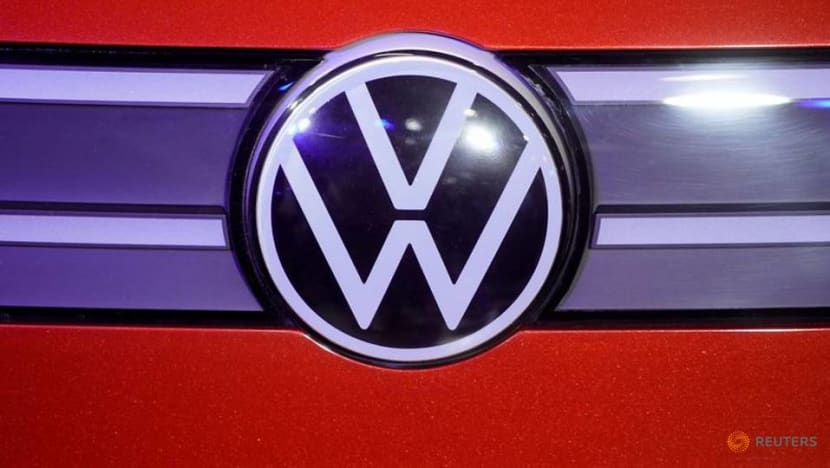 Volkswagen to make electric car cells, battery packs in US