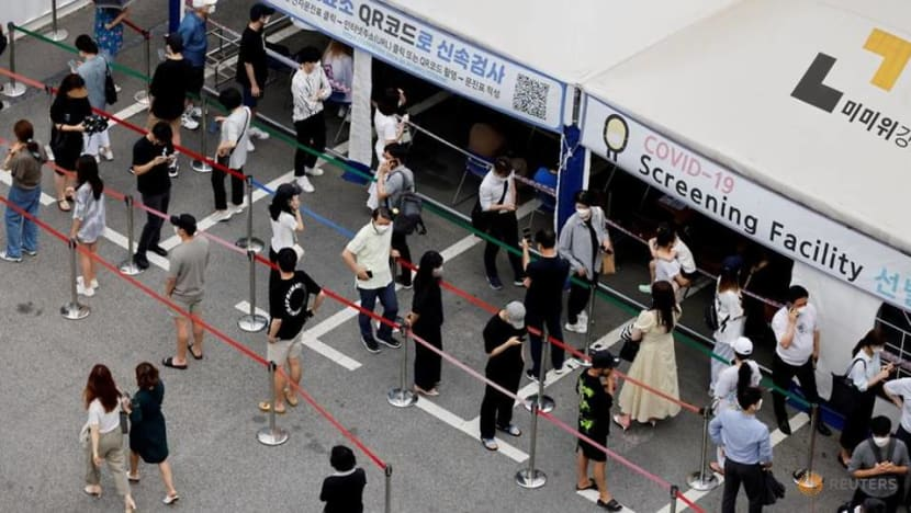 South Korea sees spike in COVID-19 cases amid vacations, spread of new variants