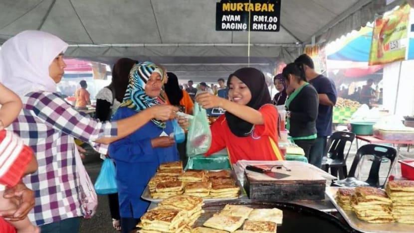 'It doesn't feel like Hari Raya': Malaysia's Ramadan vendors fret over slow sales amid COVID-19