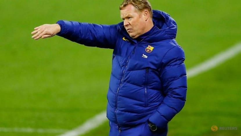 Barca's Koeman won't criticise Pique over referee comments