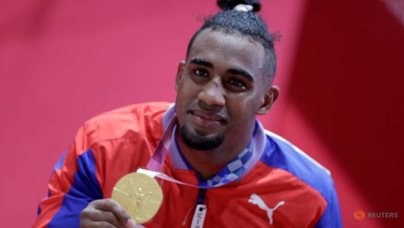 Olympics-Boxing-Lopez wins gold to put powerhouse Cuba in medals lead
