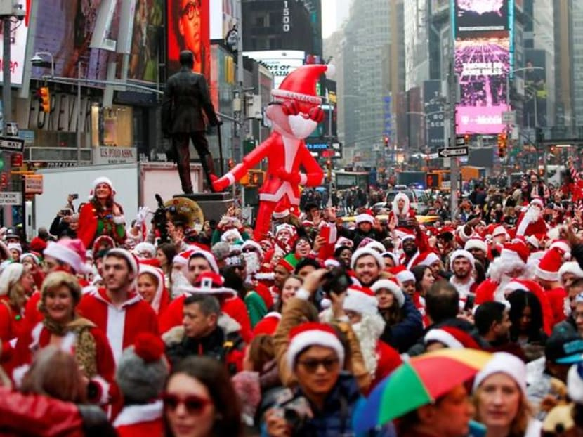 New York's 'Santacon' bar crawl cancelled by COVID-19