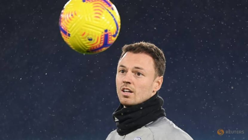 Soccer-Leicester defender Evans extends contract to 2023