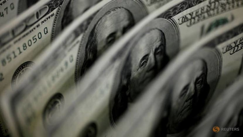 Dollar falls after US jobs data dims hopes for Fed tightening