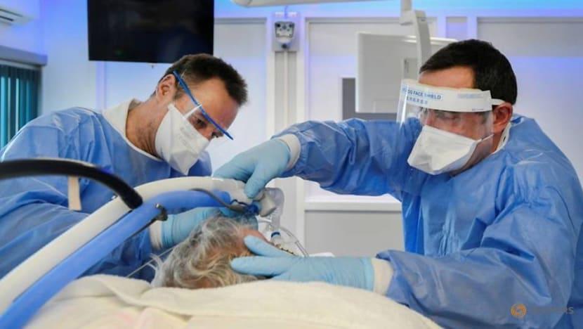 Dutch coronavirus infections jumped 24% last week: Health authorities