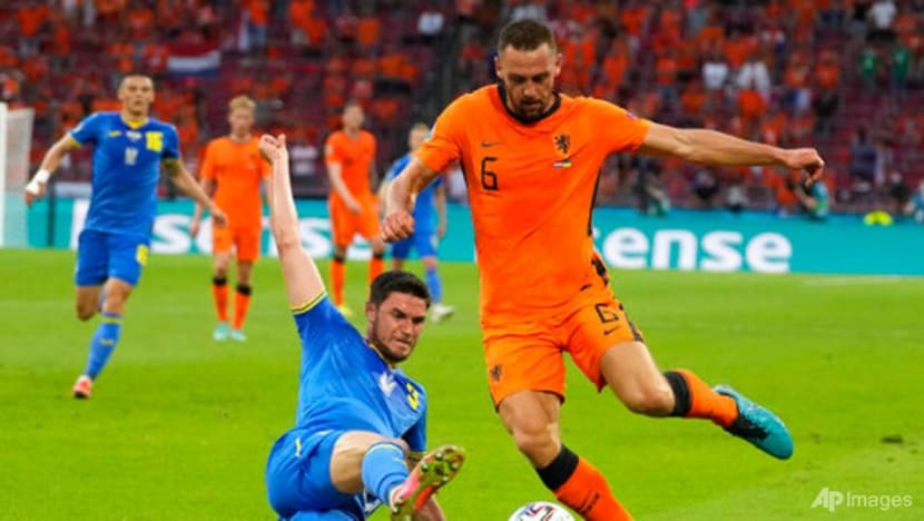 Football: Ukraine fightback was a blemish for Dutch defence says centre back