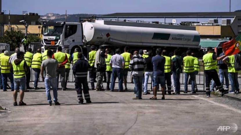 Portuguese government orders striking tanker drivers back to work