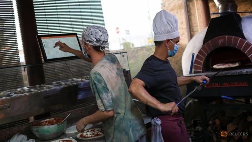 Pizza restaurant launches Spain's first virtual waiter app