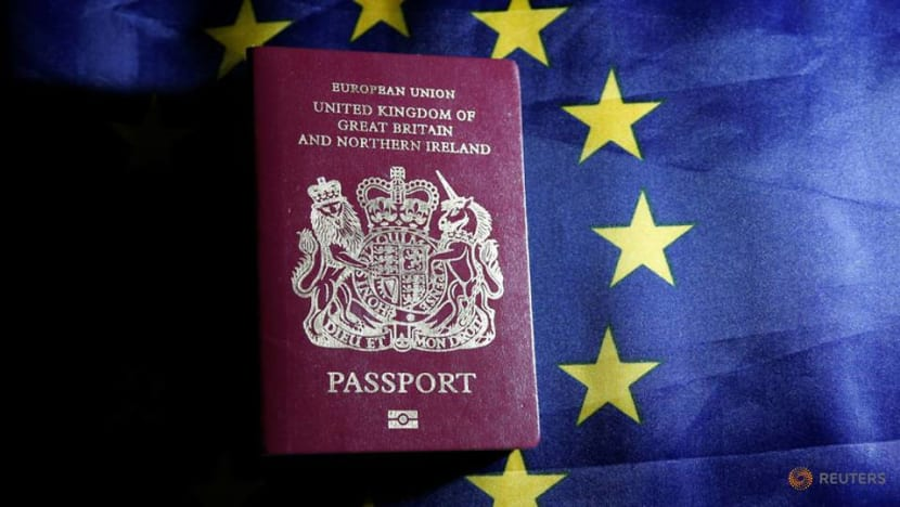 Faster immigration clearance for eligible UK travellers to Singapore
