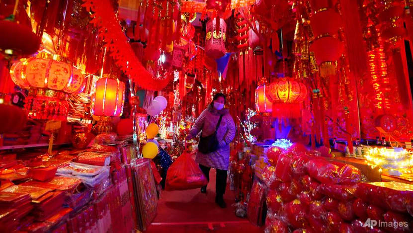 China's peak Chinese New Year air travel season fizzles as COVID-19 cases rise