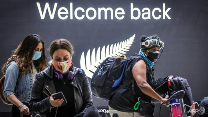 Australia reopens New Zealand 'travel bubble' after no new COVID-19 cases