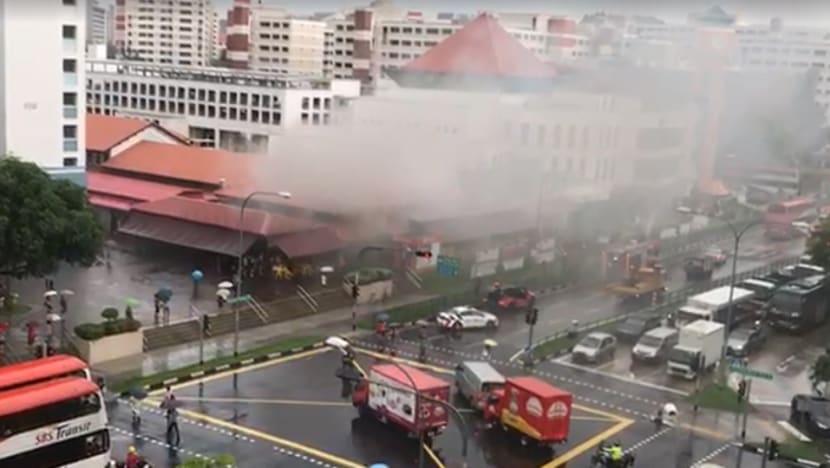 Fire breaks out in Jurong West coffee shop