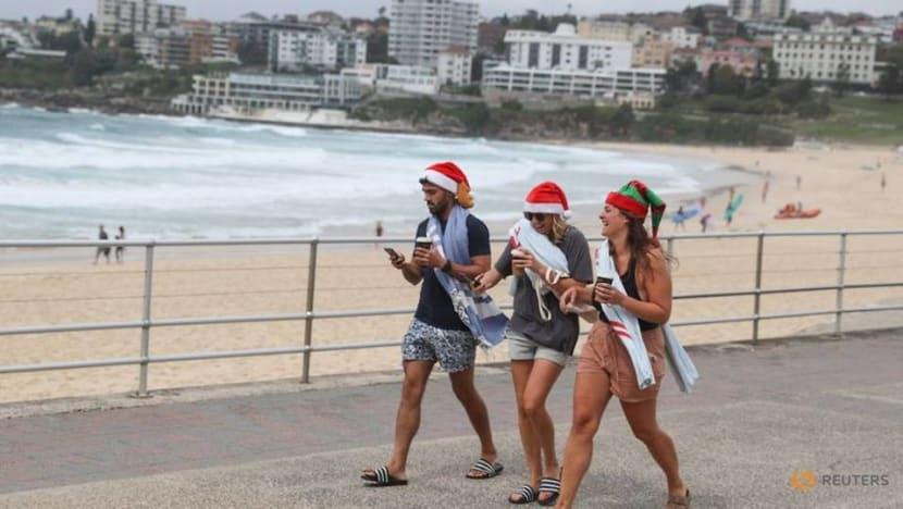 Sydney awaits verdict on New Year's Eve festivities as COVID-19 outbreak grows