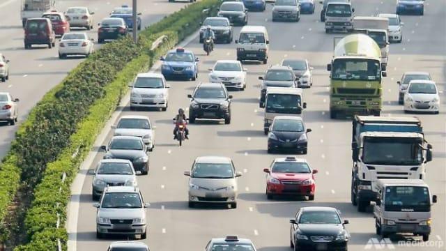 【总结财政预算案2021】德士和私召车业者同意将路税回扣返给司机