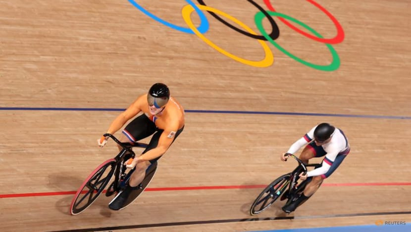 Olympics-Cycling-Dutchman Lavreysen powers to gold in men's sprint final