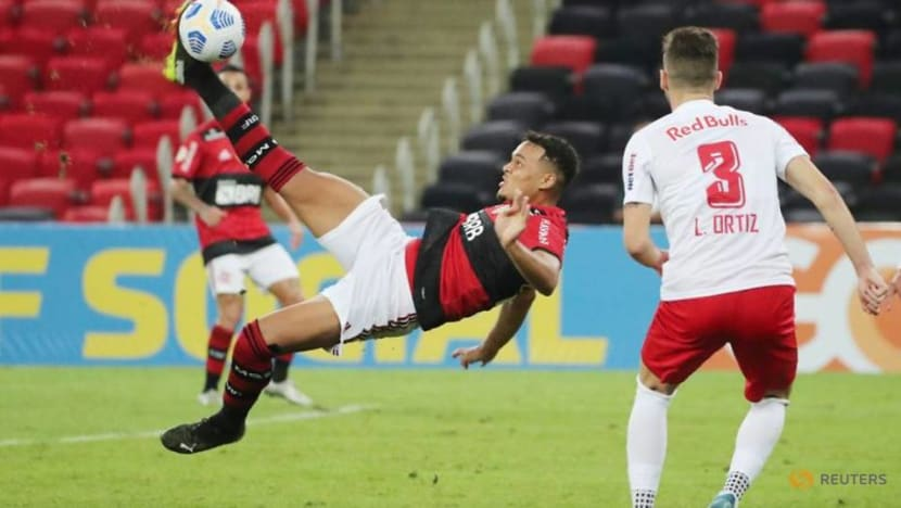 Soccer-Injury time goal hands Flamengo first defeat in Brazil