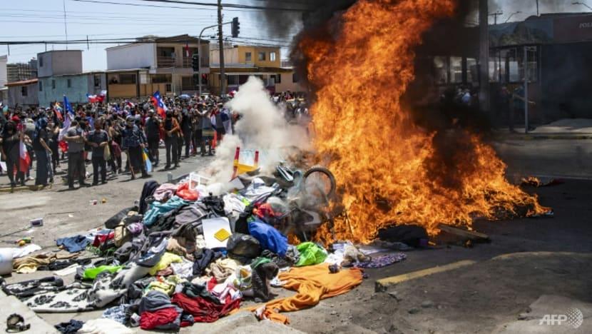 Demonstrators in northern Chile protest against Venezuela migrants