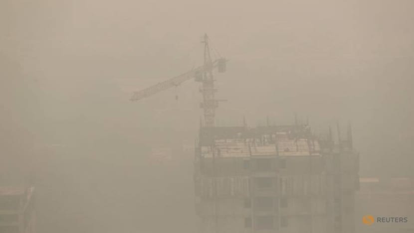 India's capital suffers most toxic air in a year, heightening COVID-19 worries
