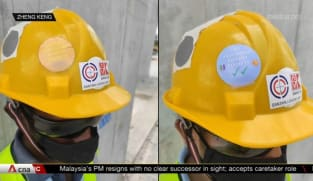 Construction firms use visual markers to identify workers' COVID-19 vaccination status | Video