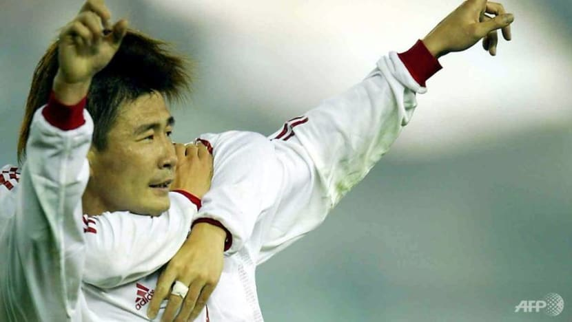 Retired China football star calls for ouster of Communist Party