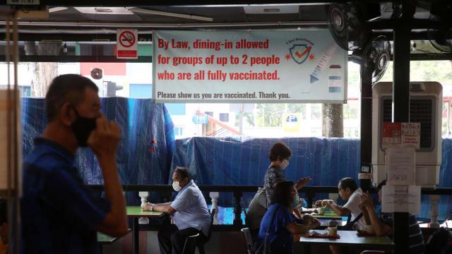核查疫苗接种状态反遭辱骂 咖啡店员工吁食客理解