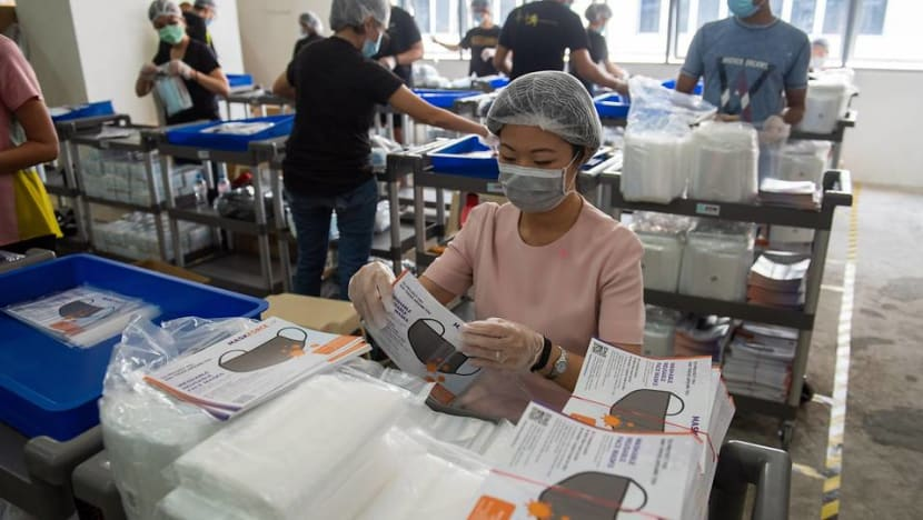 COVID-19: 650,000 migrant workers and domestic helpers to receive face masks