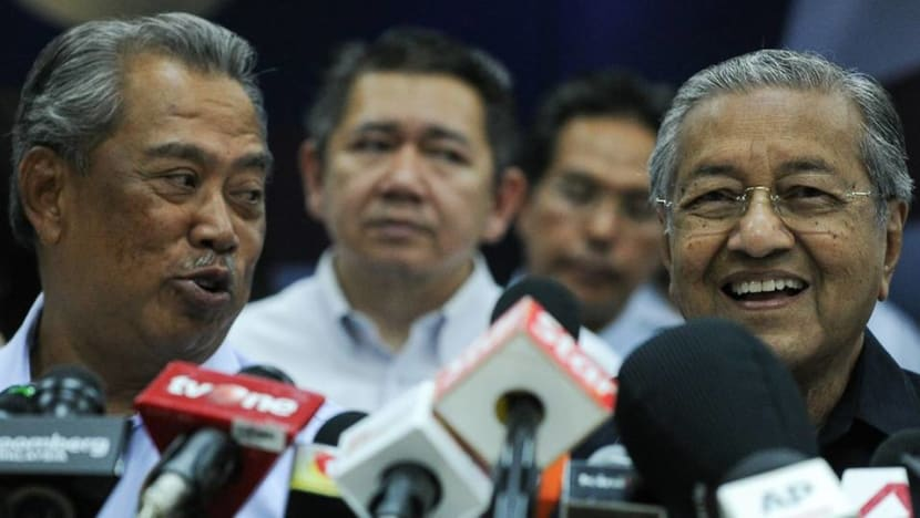 Mahathir says he commands a majority in parliament, will present letter to king outlining his position