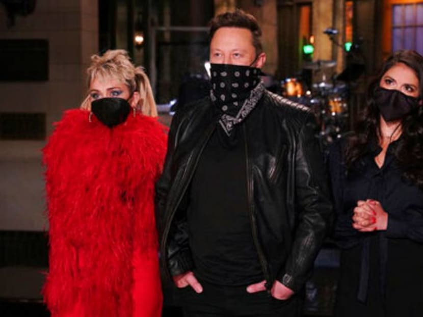 Elon Musk boosts his brand, and NBCUniversal's, on Saturday Night Live