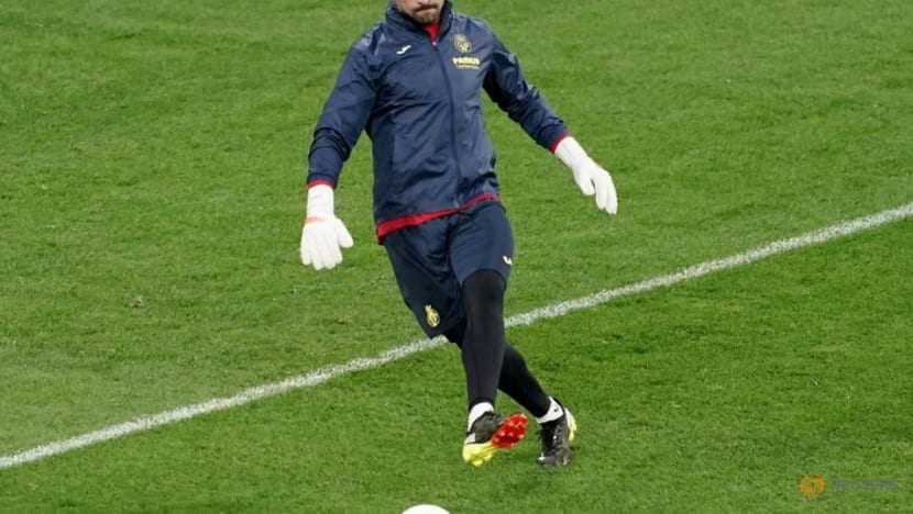 Soccer-Emery urges Villarreal to break another barrier in Europa League final