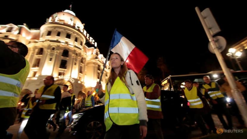 Commentary: The yellow vest, a symbol of a rising political movement in France