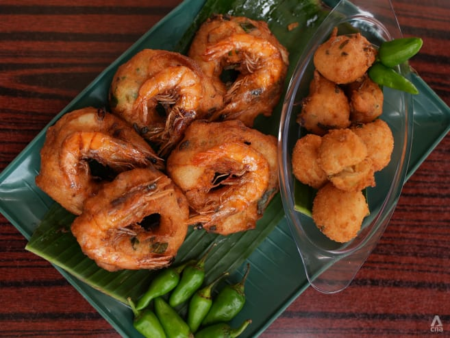 Best eats: Crispy, fluffy vadai that's a pasar malam favourite