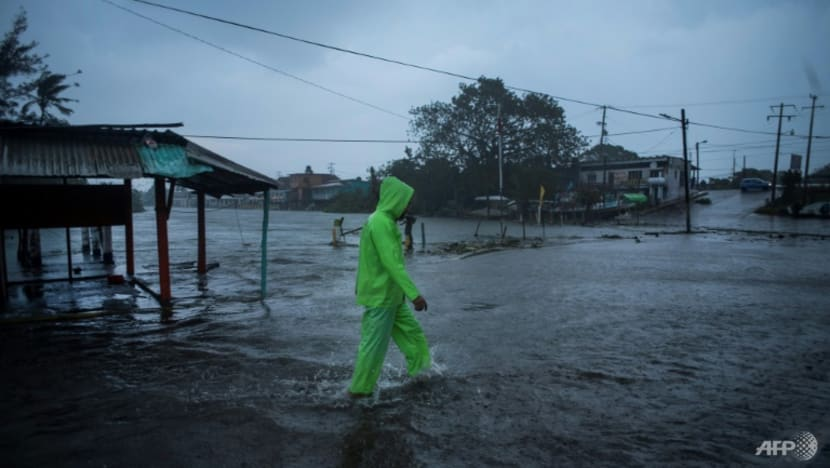Hurricane Grace unleashes severe flooding in Mexico, killing 8