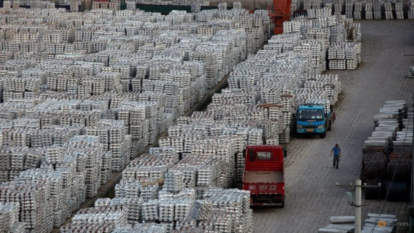 China Aug aluminium output falls for 4th month as supply cuts mount